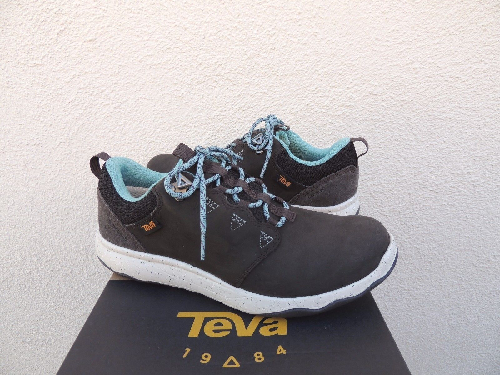 TEVA BLACK OLIVE ARROWOOD LUX WP LEATHER SNEAKER BOOTS, US 6  EUR 37 NIB