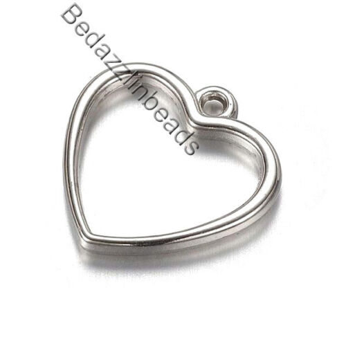 Lot of 20 Silver Plastic Acrylic 3//4 inch Open Heart Dangle Charms w// Metal Look