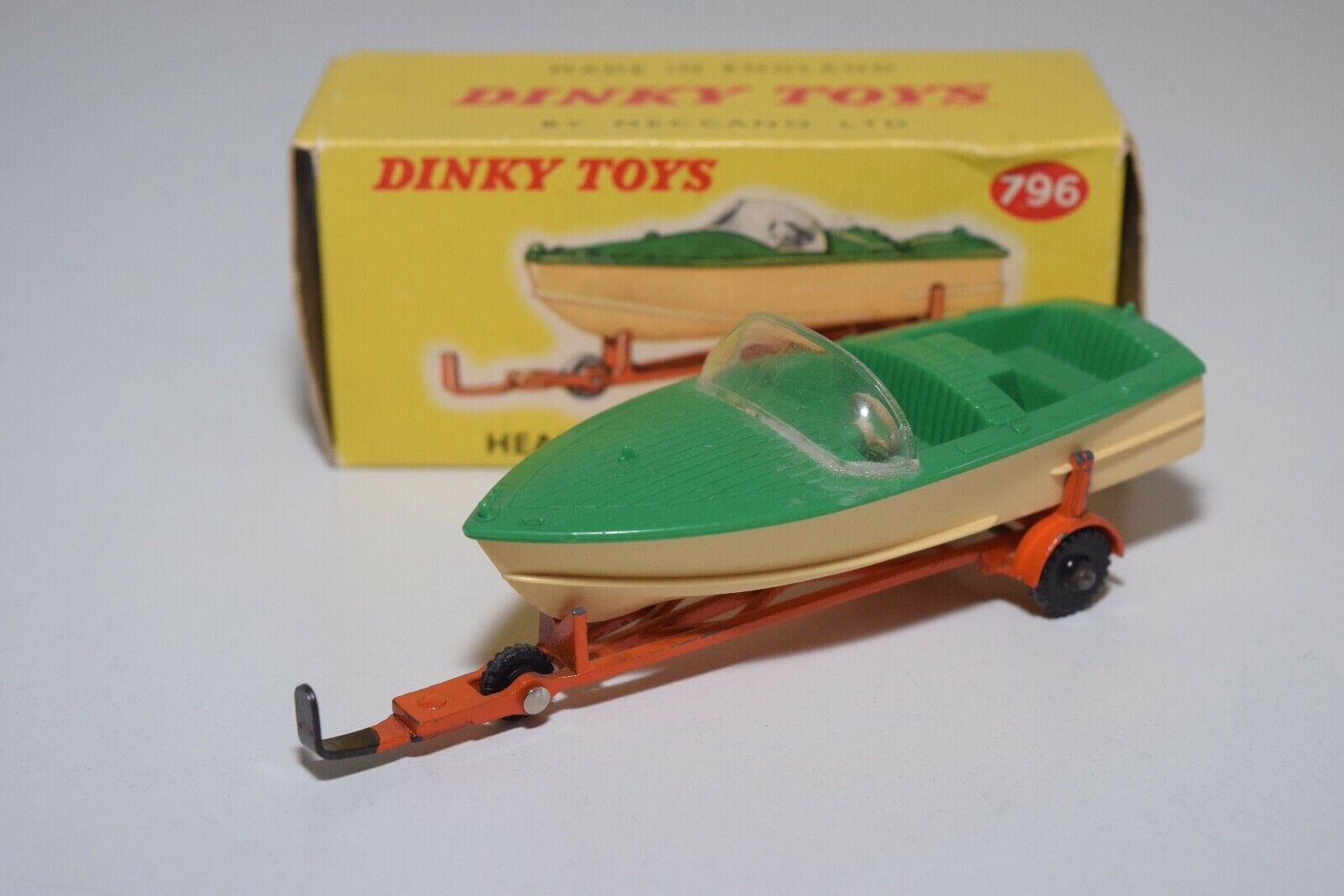 DD 1 43 DINKY TOYS 796 HEALEY SPORTS BOAT ON TRAILER verde NEAR MINT BOXED