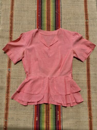 Vintage 1940s Pink CHAMBRAY Puff Sleeve Peplum Cot