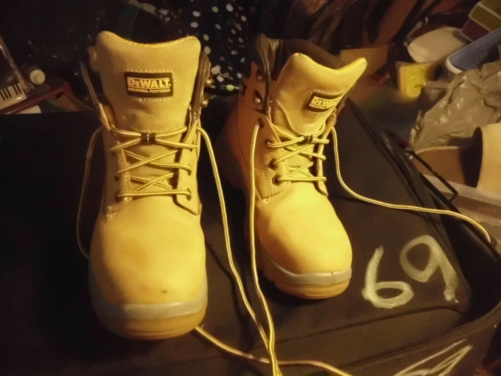 DE WALT STEEL TOE BOOTS SIZE 6 FREE POST
