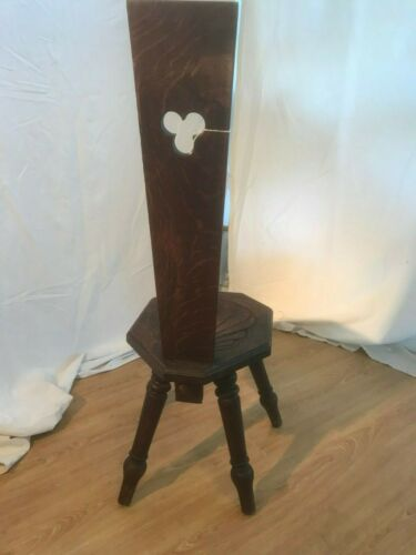 Oak carved spinning chair 539a