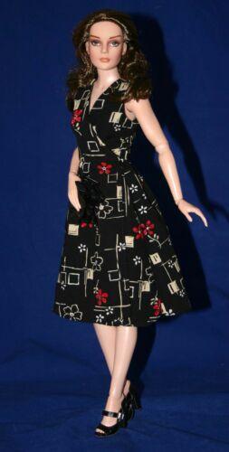 "It/'s A Wrap Clothes Sewing Pattern 16.5/"" RTB101 Claire Grace Tonner"
