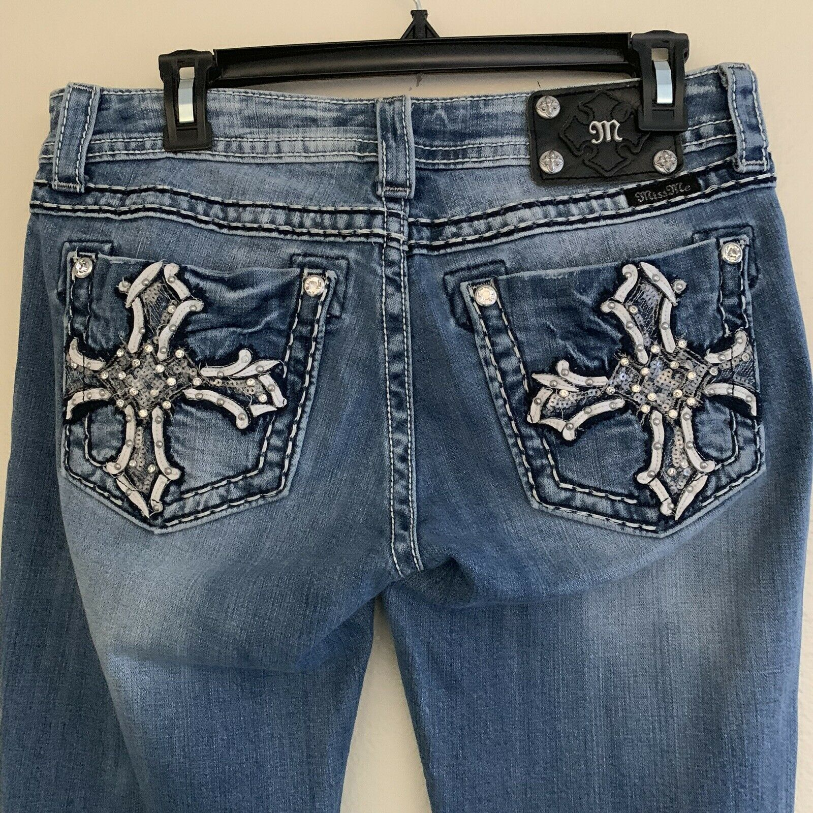 Miss me jeans size 29 jeans woman boot cut cross bling style JP5854B embellished