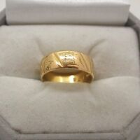 Vintage Heavy 22ct Gold Patterned Wedding Ring