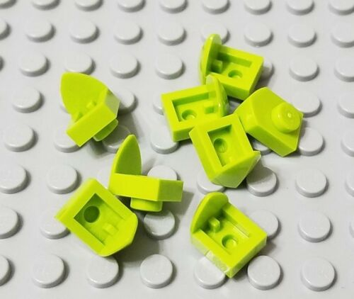 LEGO New Lot of 8 Lime Green 1x1 Plates with Vertical Tooth