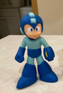 Megaman Mega Man RETRO-ROTO Action Figure 2005 *NEW* Jazwares