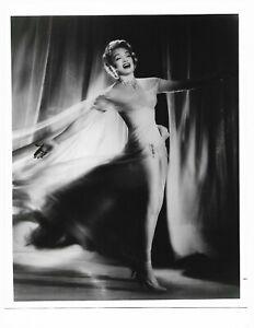 8 x 10 Original Foto Legendary Schauspielerin Marlene Dietrich Kabarett Act