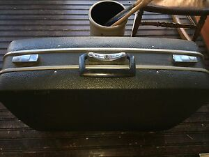 "Vintage Royal Traveller Hard Shell Dark Suitcase Luggage 23"" x 18"" x 7"""
