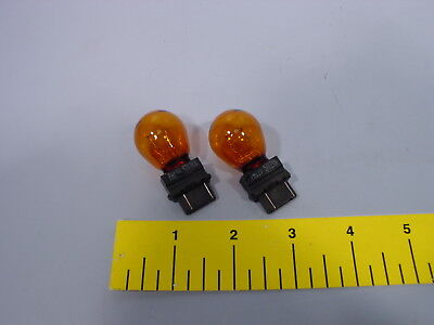 2 x NEW OEM Wagner 12V 5702KA 5702 KA Automotive Turn Signal Light Bulb Amber