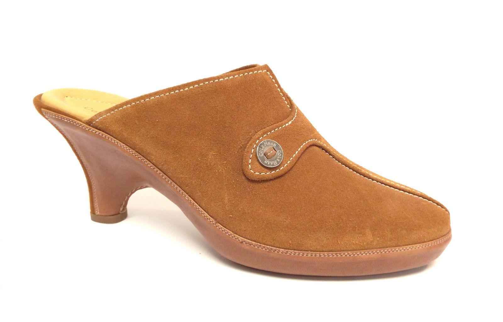 New COLE HAAN Dimensione 9 Beige Suede Button Mules  Clogs scarpe  fantastica qualità