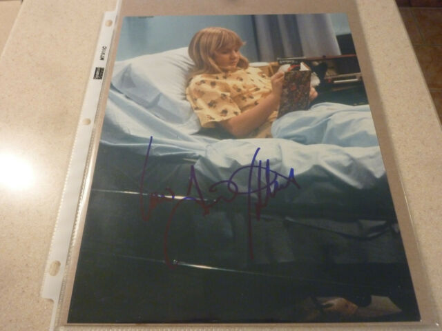 Tina Yothers - Jennifer - Family Ties - very rare signed 8x10 color photo w/COA