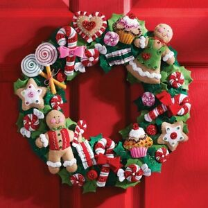 "Bucilla Cookies and Candy Wreath Felt Applique Kit-15"" Round , New, Free Shippin"