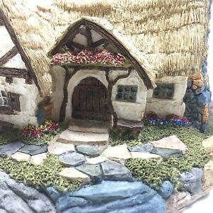 1987-Lilliput-Lane-Seven-Dwarfs-Cottage-Disney-50th-Anniversary-Limited-Edition