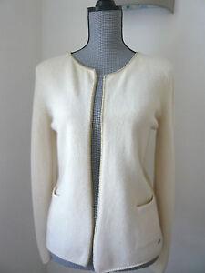 CHANEL-cardigan-100-cachemire-T-42-plutot-38-40-cashmere-blanc-casse-or-gold
