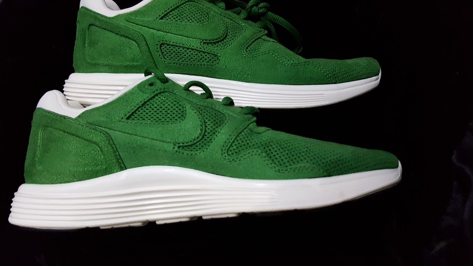 MENS NIKE LUNAR FLOW  GREEN  SZ 8