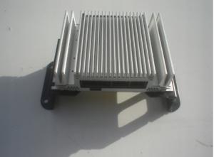 Hyundai-IX35-audio-amplifier-963702S300