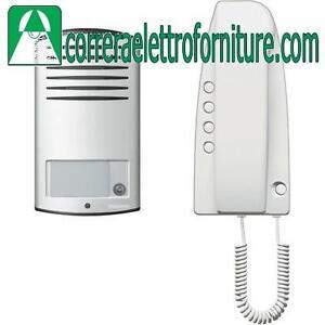 Kit-citofono-analogico-monofamiliare-BTICINO-363211-con-alimentatore