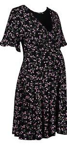 Boohoo-Maternity-Pregnancy-Dress-Black-Ditsy-Floral-Short-Sleeve-Tea-Dress-VNeck