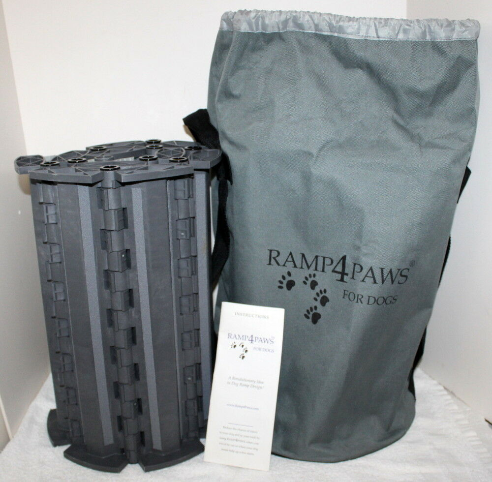 RAMP 4 PAWS Doggy Ramp w  Duffle Bag Carry Case  10 Link Size  Hardly Used