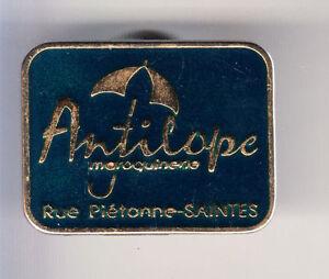 RARE-PINS-PIN-039-S-TOURISME-ANTILOPE-PARAPLUIE-SAINTES-CHARENTE-MARITIME-17-CJ