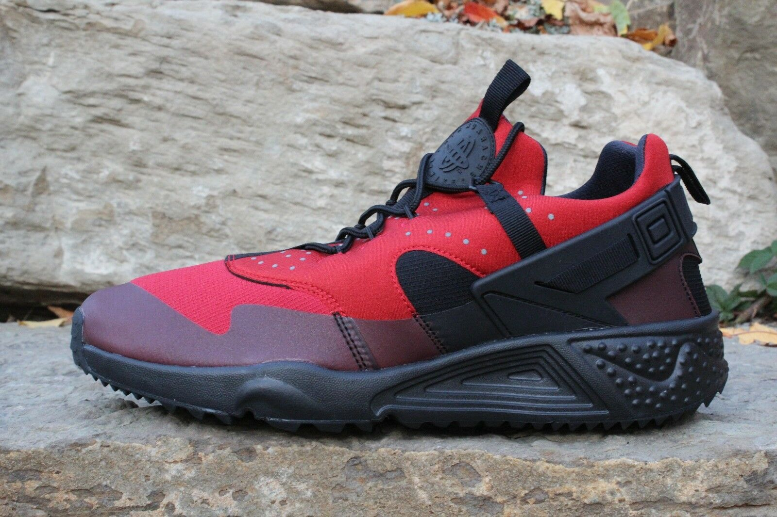 11 New Mens Nike Air Huarache Utility Shoes Gym Red Black SZ 10 806807-600