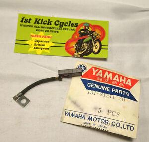 NOS-Yamaha-131-81211-20-Generator-Brush-DS6-R3-YM2C-YR1-YR2-Y1573