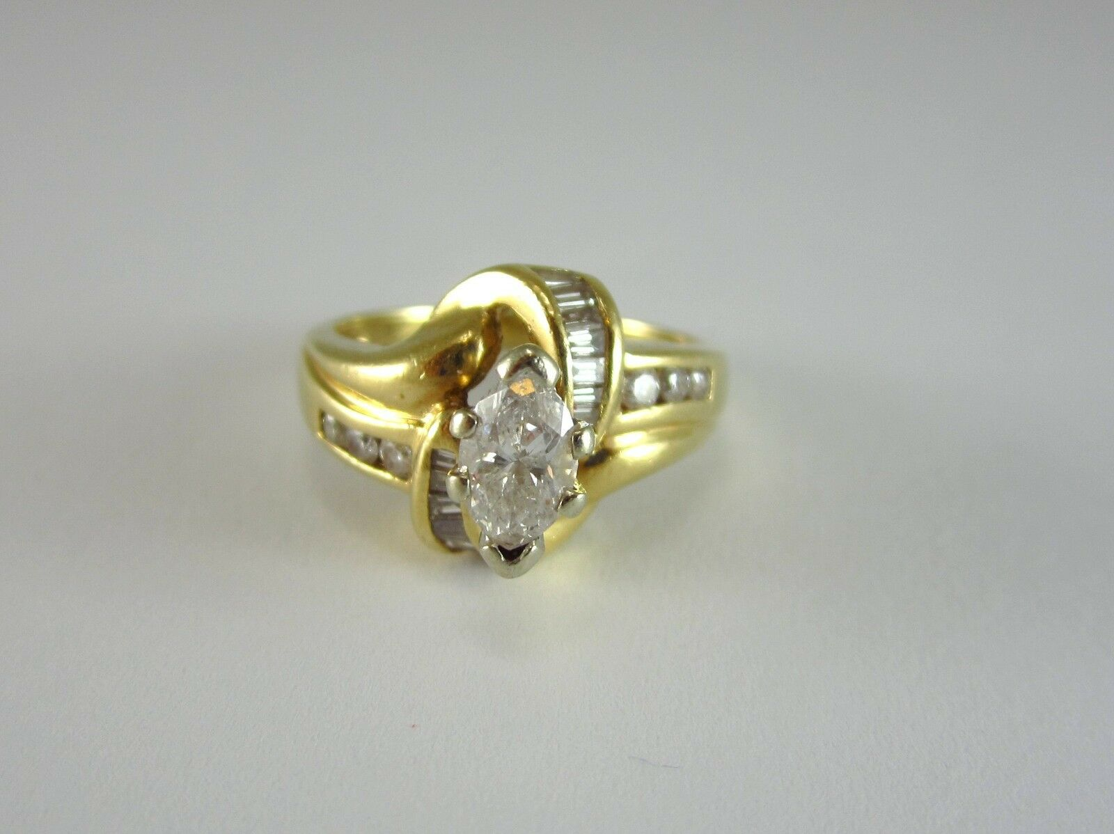 BEAUTIFUL LADIES 14K TWO-TONE gold MARQUISE CUT DIAMOND ENGAGEMENT RING 4.9G