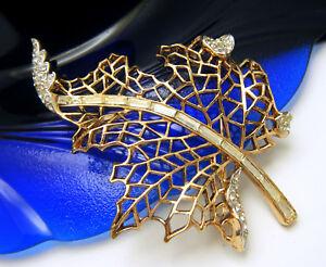 Crown-Trifari-Pat-Pend-Lacy-Leaf-Rhinestone-Baguettes-Brooch-Gold-Tone