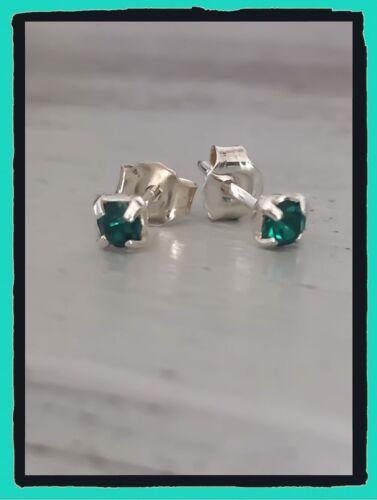 Boucles D/'oreilles Puces Oz Émeraude 4 MM Argent massif 925//1000 Bijoux