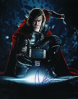 Signed 11x14 Photo thor Systematic Chris Hemsworth