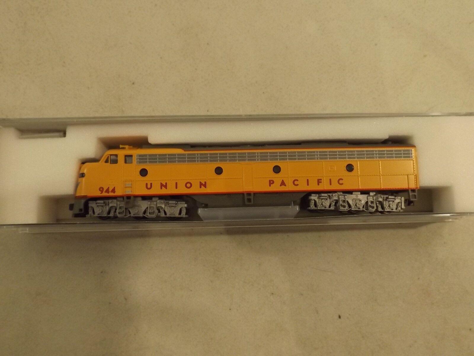 N gauge Kato Union Pacific E9-A diesel engine in original box