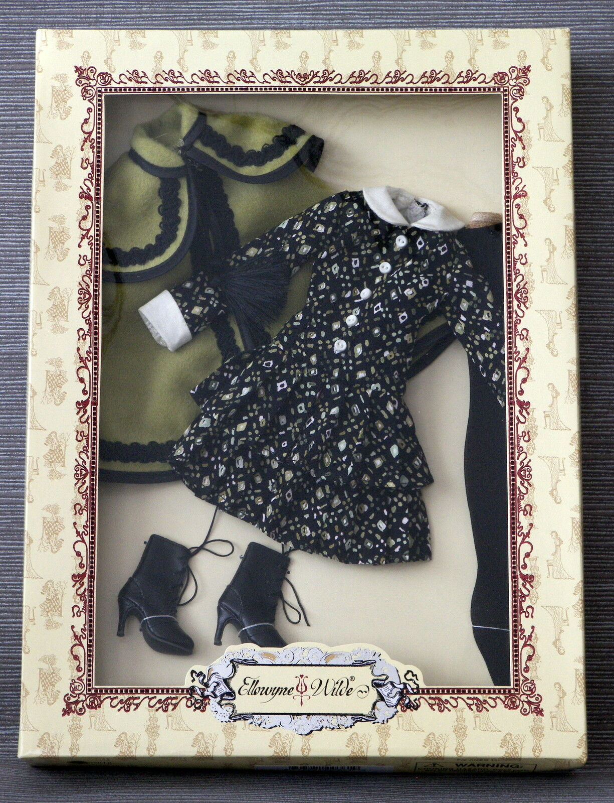 Tonner beautiful A Bit Foggy outfit  for Ellowyne Wilde doll NRFB