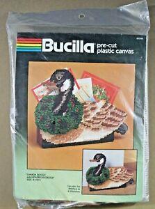 Canada-Goose-plastic-canvas-kit-mail-holder-doorstop-Bucilla-61046-Christmas-new