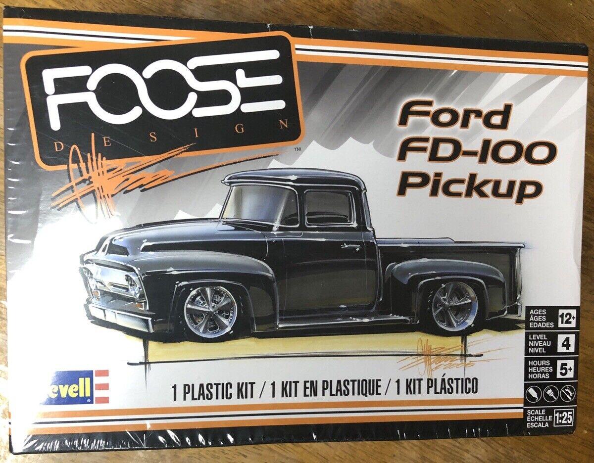 Revell 1//25 Ford FD-100 Pickup  RMX854426