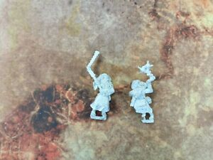 Mordheim Witch Hunter Flagellants - Both poses