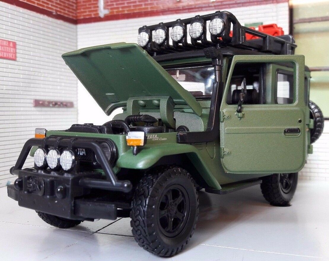 Toyota Land Cruiser FJ40 Expedition Motormax Diecast 1 24 Scale Model 79137GRN
