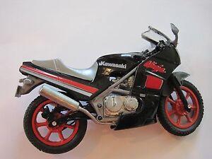 """Kawasaki Motorcycle Diecast 4.5""""x8"""" No Kick Stand"""