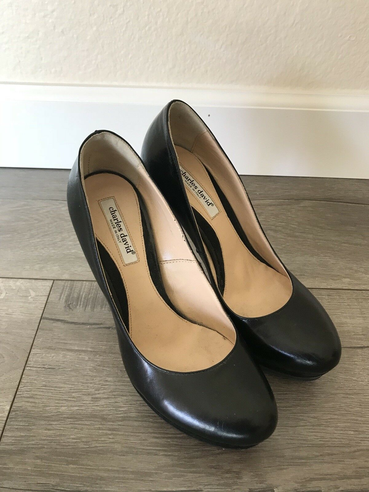 Charles David Classic Pump Heels Made in Italy Black, size 7