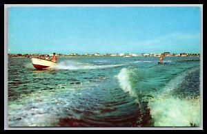 REHOBOTH-BEACH-DELAWARE-WILSON-039-S-PIER-WATER-SKIING-POSTCARD