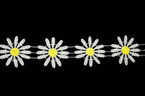 """Unotrim 2/"""" offwhite  Petal Yellow Center Daisy  Rayon Cuttable Venice Lace Trim"""