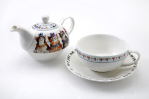 Royal-Furmily-Tea-for-One-Set-Teapot-Cup-Saucer-Cat-Characters-Gift-Bone-China