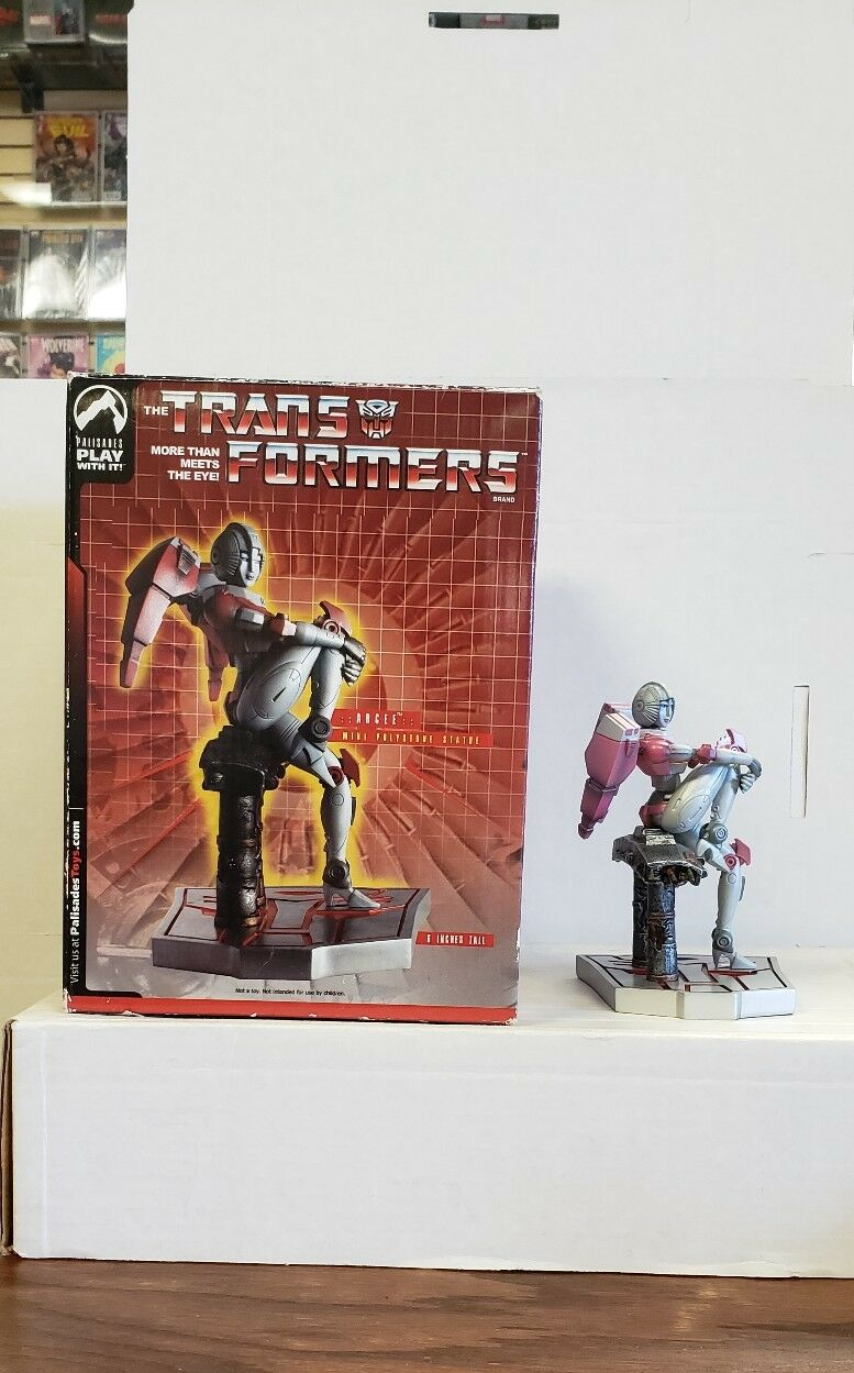 Transformers Arcee mini polystone statue from Palisades Toys
