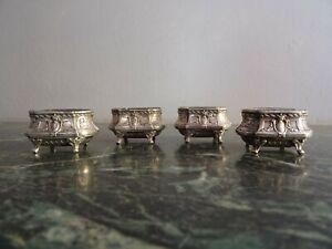 ANCIEN-QUATRES-SALERONS-POINCON-MINERVE-POIDS-NET-46-GRAMMES