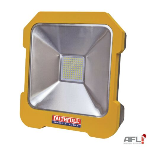 Faithfull 20 W SMD DEL Task lumière avec Power Take Off 110 V 2000 LM