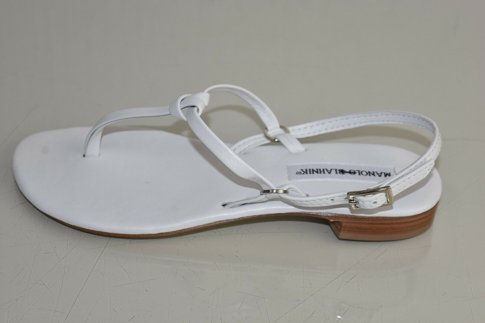 735 735 735  New Manolo Blahnik blanc Leather Thong Flats Strappy Sandals Flat chaussures 37 f1d892