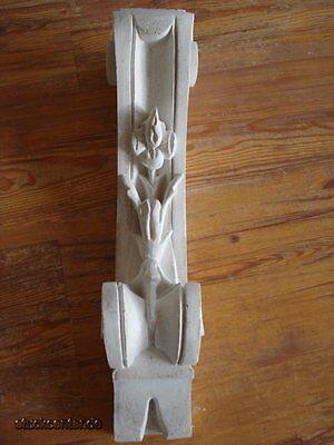 Schlanke Wandkonsole aus Stuck auch für Fassade 46 cm