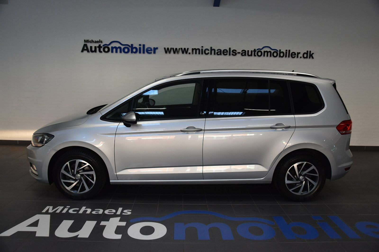 VW Touran 2,0 TDi 150 Sound DSG BMT 5d - 379.900 kr.