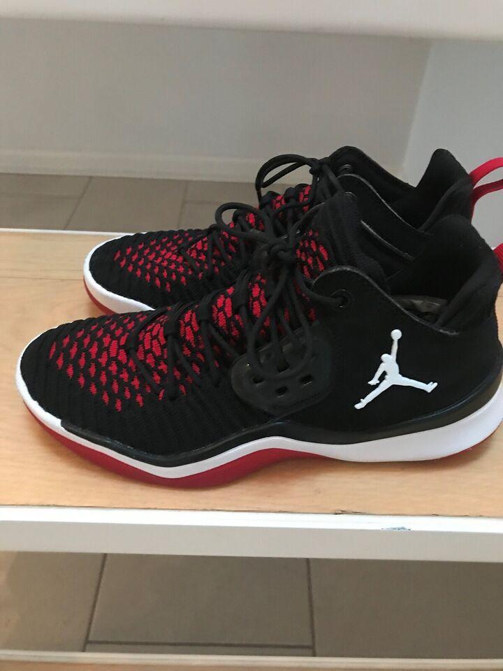 Fritidssko, Nike Jordan, str. 36,5 – dba.dk – Køb og Salg af