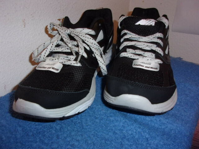 WHITE TRIM ATHLETIC RUNNING SHOES